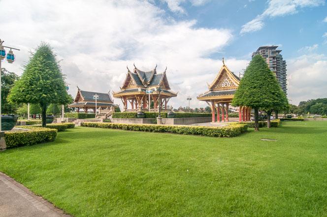 Wat-Chaloem-Pra-Kiat-077.jpg