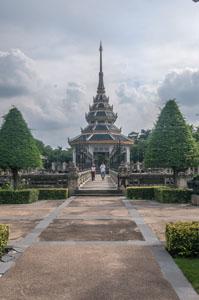 Wat-Chaloem-Pra-Kiat-060.jpg