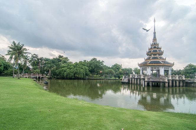 Wat-Chaloem-Pra-Kiat-130.jpg